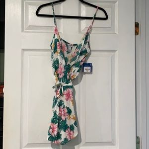 floral wrap romper size Medium